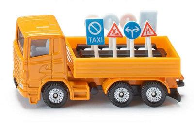 Vrachtwagen met verkeersborden (schaal 1:87)