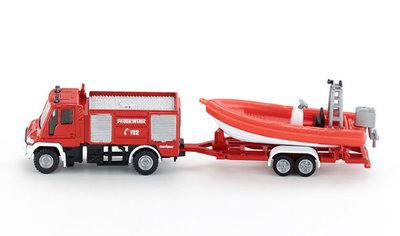 Siku Unimog brandweerwagen met boot (schaal 1:87)